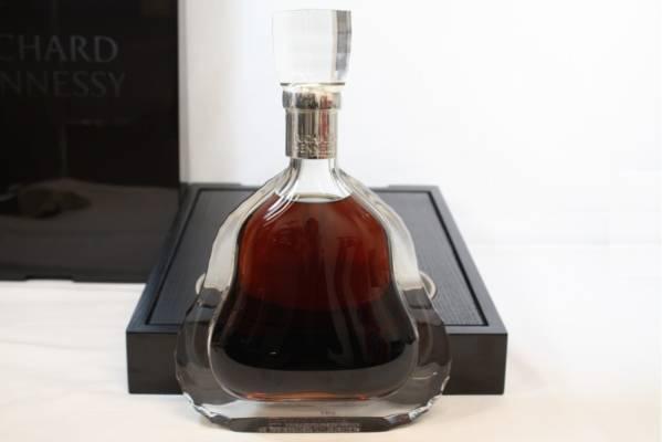 新品同様 Hennessy リシャール ヘネシー バカラ 700ml 箱付